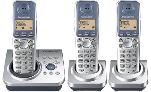 Panasonic KX-TG7223ES Triple Cordless Phone with Answering Machine