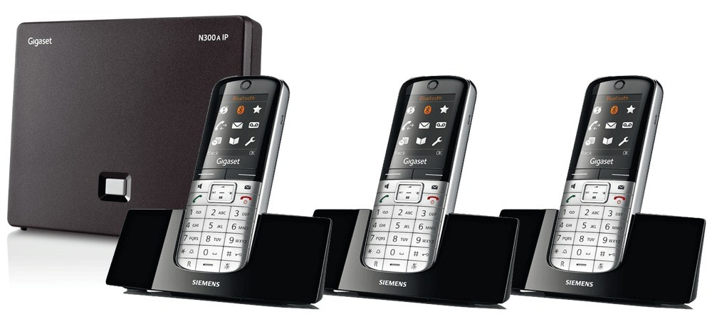 Siemens Gigaset N300A IP DECT Base With Answering Machine And SL400H Additional Handsets - Triple Pack